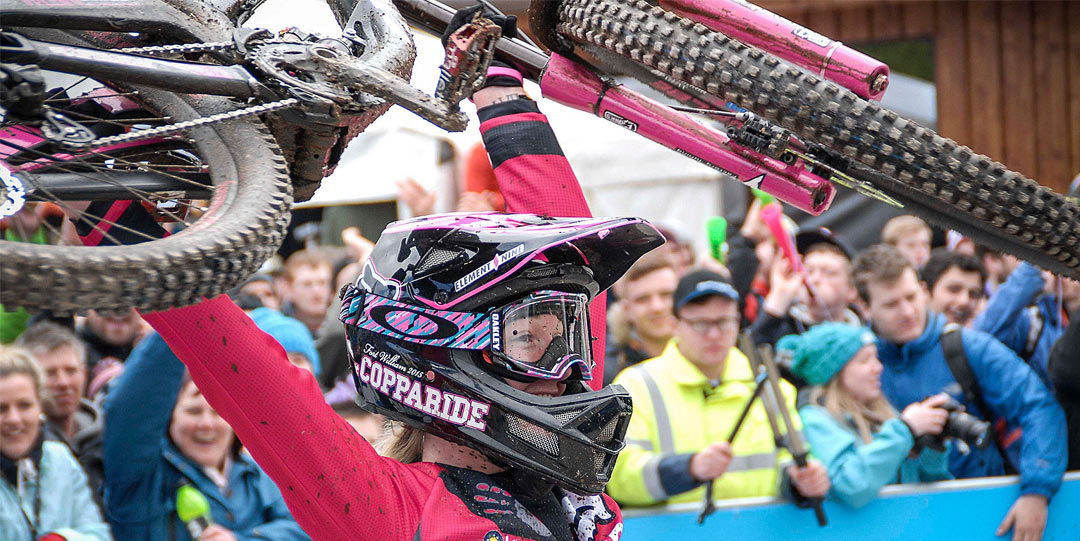 Tahnée Seagrave celebrates 2nd place at Fort William Mountain Bike World Cup 2015