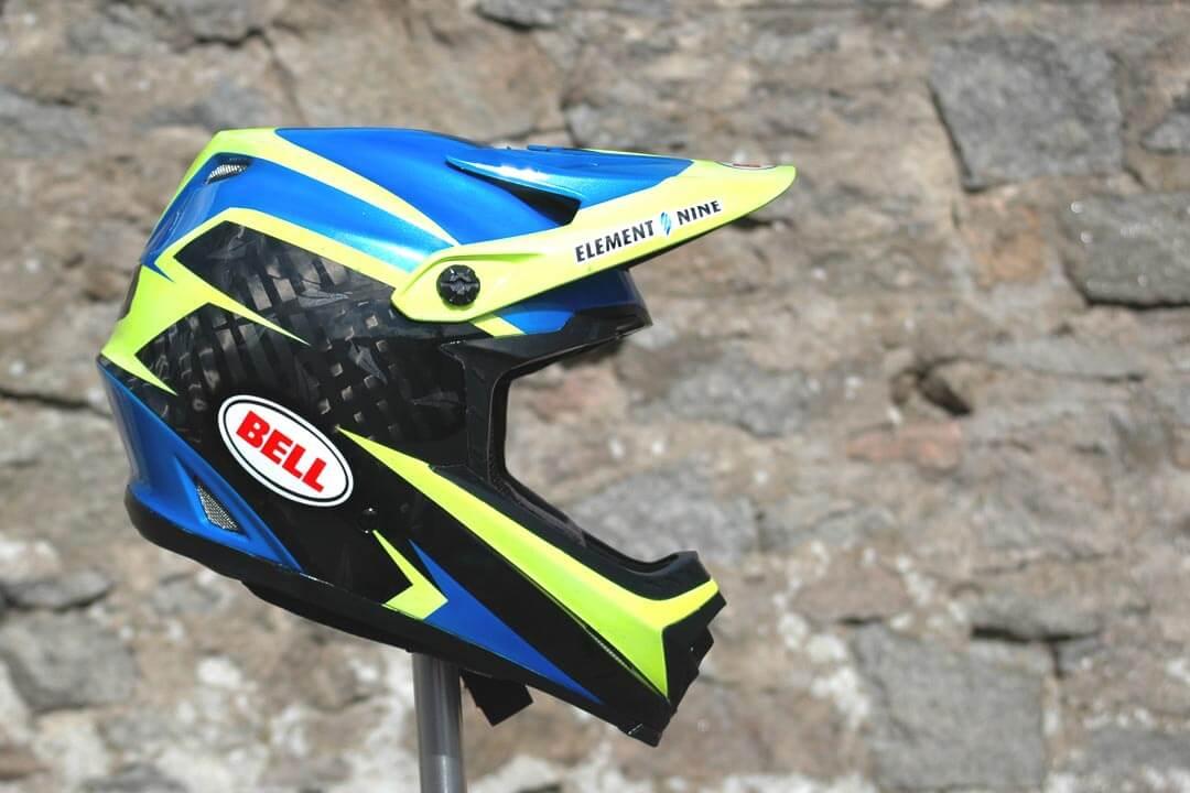 Wyn Masters' Custom Painted Bell Full-9 Helmet